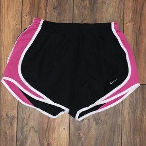 ✔️ Nike Shorts ✔️